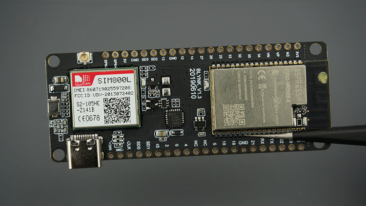 T-Call ESP32 with SIM800L
